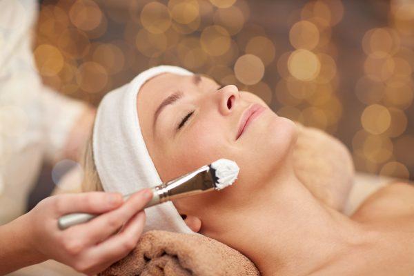 esthetics facial mask application